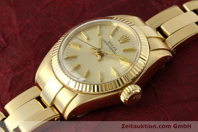 ROLEX OYSTER PERPETUAL 18 CT GOLD AUTOMATIC KAL. 2030 [142005]