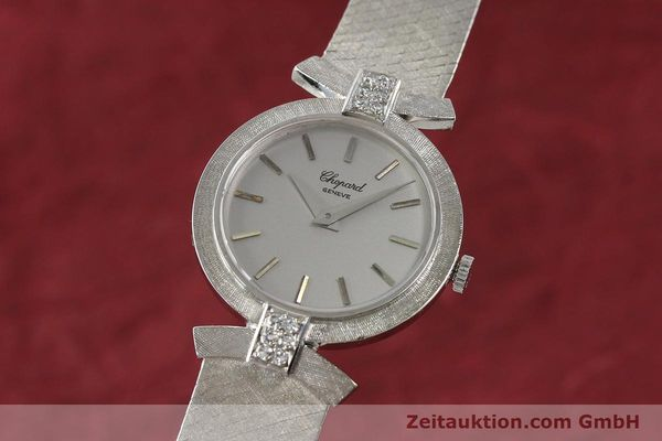 CHOPARD LADY 18K (0,750) WEISS GOLD DAMENUHR DIAMANTEN HANDAUFZUG VP: 19750,- E [142668]