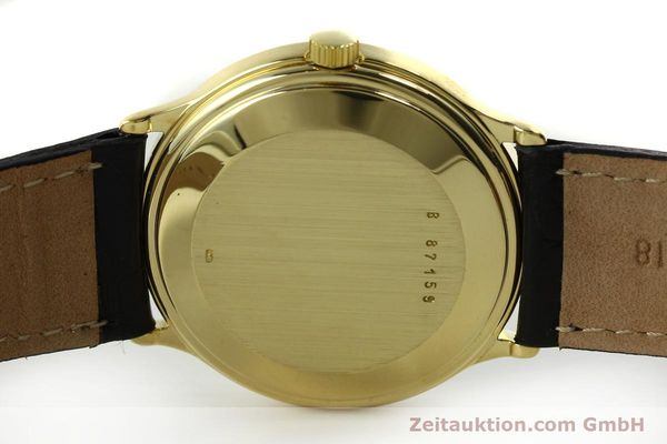 Used luxury watch Audemars Piguet * 18 ct gold automatic Kal. 2124  | 151571 08