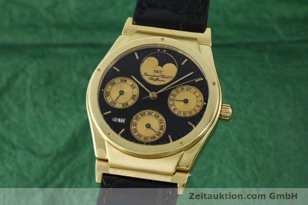 Used luxury watch IWC Ewiger Kalender 18 ct gold automatic Kal. 35582 Ref. 35401  | 151596 04