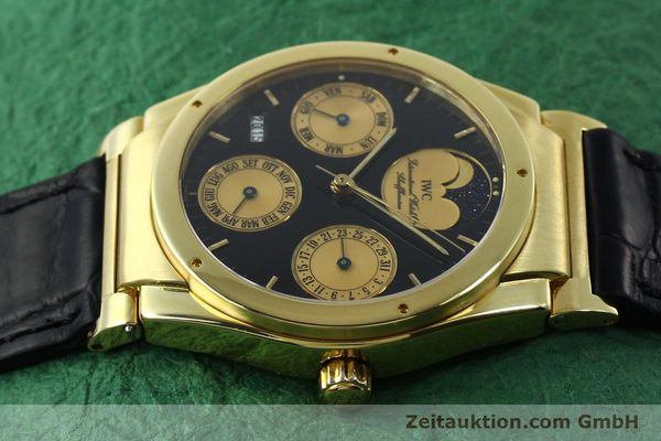 Used luxury watch IWC Ewiger Kalender 18 ct gold automatic Kal. 35582 Ref. 35401  | 151596 05