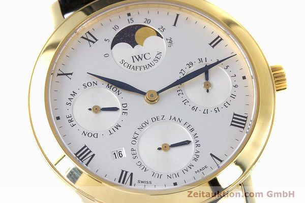Used luxury watch IWC * 18 ct gold manual winding Kal. 84961 Ref. 2050  | 160159 02