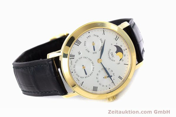 Used luxury watch IWC * 18 ct gold manual winding Kal. 84961 Ref. 2050  | 160159 03