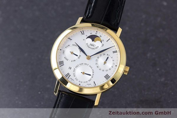 Used luxury watch IWC * 18 ct gold manual winding Kal. 84961 Ref. 2050  | 160159 04