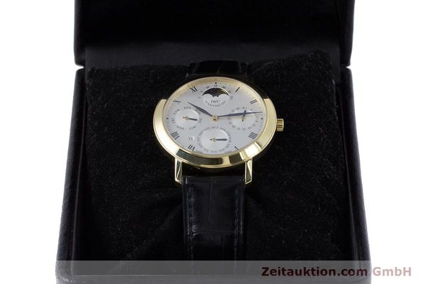 Used luxury watch IWC * 18 ct gold manual winding Kal. 84961 Ref. 2050  | 160159 07