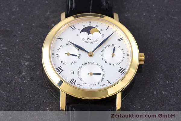 Used luxury watch IWC * 18 ct gold manual winding Kal. 84961 Ref. 2050  | 160159 17