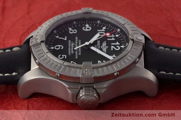 Used luxury watch Breitling Avenger titanium automatic Kal. ETA 2824-2 Ref. E17370  | 161351 05