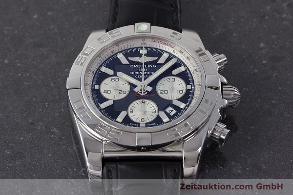 Used luxury watch Breitling Chronomat 44 chronograph steel automatic Kal. B 01 Ref. AB0110  | 161462 15