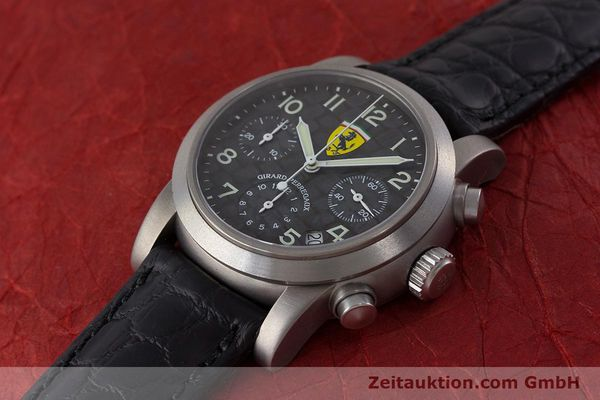 Used luxury watch Girard Perregaux Ferrari chronograph titanium automatic Kal. 2280-781 Ref. 8020 LIMITED EDITION | 161618 01