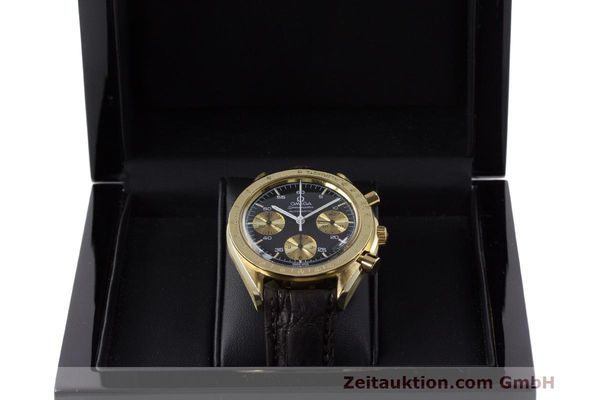 Used luxury watch Omega Speedmaster chronograph 18 ct gold automatic Kal. 1140 Ref. A1750033  | 161989 07