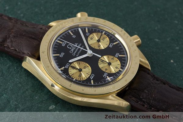 Used luxury watch Omega Speedmaster chronograph 18 ct gold automatic Kal. 1140 Ref. A1750033  | 161989 13