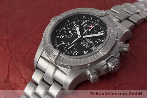 Used luxury watch Breitling Avenger chronograph titanium automatic Kal. B13 ETA 7750 Ref. E13360  | 162050 01