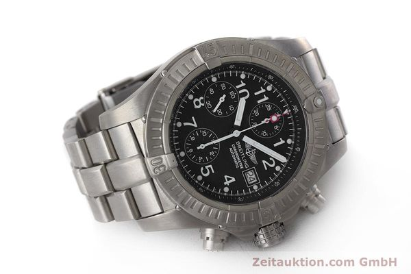Used luxury watch Breitling Avenger chronograph titanium automatic Kal. B13 ETA 7750 Ref. E13360  | 162050 03