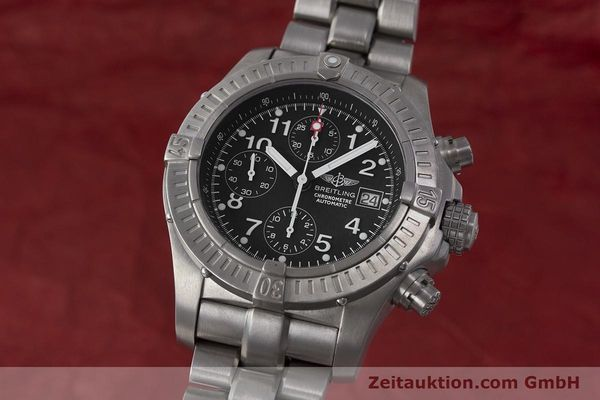 Used luxury watch Breitling Avenger chronograph titanium automatic Kal. B13 ETA 7750 Ref. E13360  | 162050 04