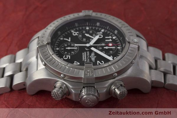 Used luxury watch Breitling Avenger chronograph titanium automatic Kal. B13 ETA 7750 Ref. E13360  | 162050 05