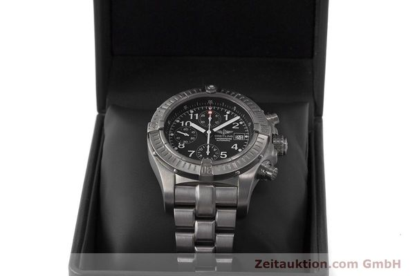 Used luxury watch Breitling Avenger chronograph titanium automatic Kal. B13 ETA 7750 Ref. E13360  | 162050 07
