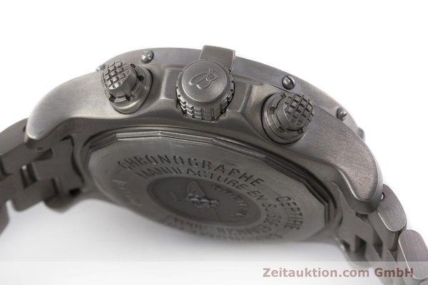 Used luxury watch Breitling Avenger chronograph titanium automatic Kal. B13 ETA 7750 Ref. E13360  | 162050 08