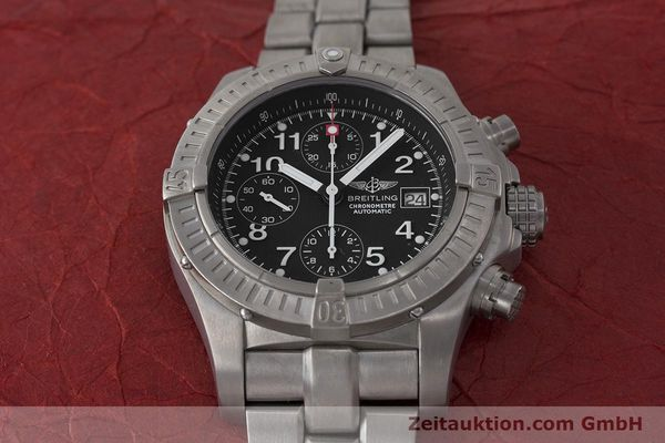 Used luxury watch Breitling Avenger chronograph titanium automatic Kal. B13 ETA 7750 Ref. E13360  | 162050 15
