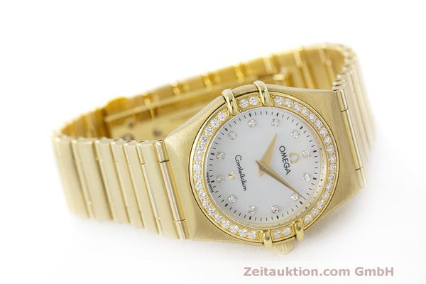 gebrauchte Luxusuhr Omega Constellation 18k Gold Quarz Kal. 1456 Ref. 11777500  | 163175 03