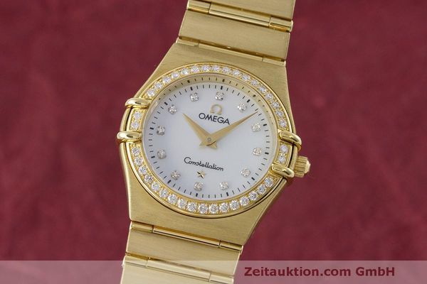 gebrauchte Luxusuhr Omega Constellation 18k Gold Quarz Kal. 1456 Ref. 11777500  | 163175 04