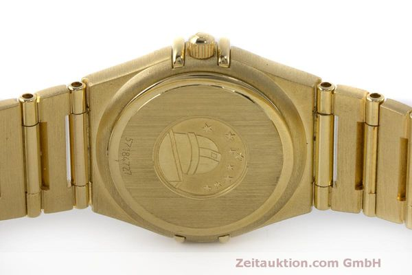 gebrauchte Luxusuhr Omega Constellation 18k Gold Quarz Kal. 1456 Ref. 11777500  | 163175 09