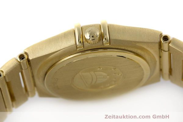 gebrauchte Luxusuhr Omega Constellation 18k Gold Quarz Kal. 1456 Ref. 11777500  | 163175 10