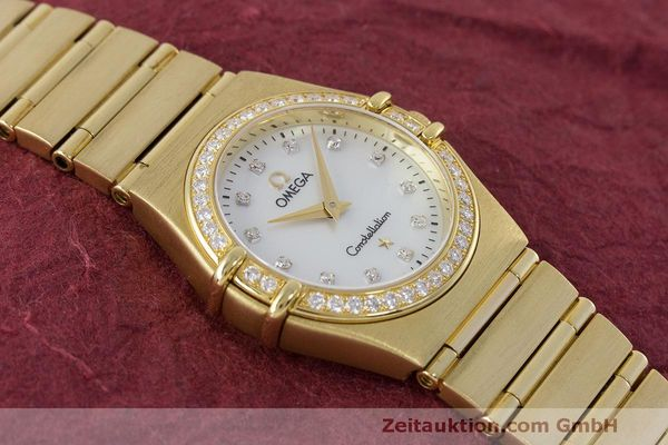 gebrauchte Luxusuhr Omega Constellation 18k Gold Quarz Kal. 1456 Ref. 11777500  | 163175 15