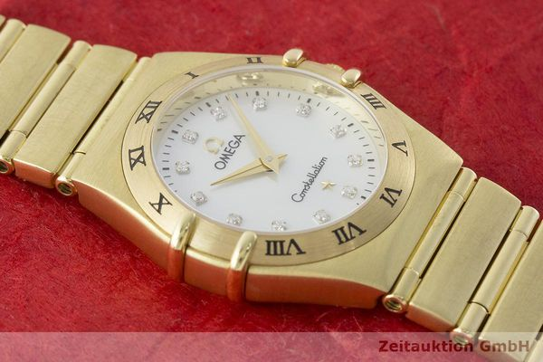 gebrauchte Luxusuhr Omega Constellation 18k Gold Quarz Kal. 1456 Ref. 11727500  | 181190 17