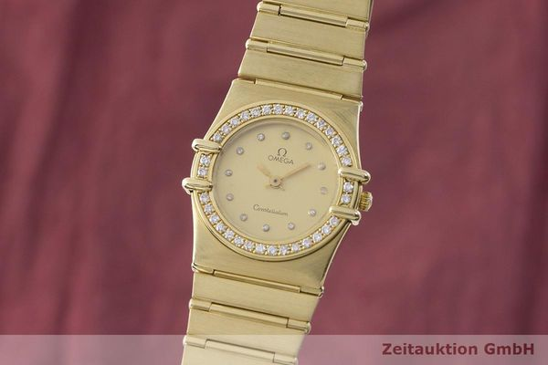 gebrauchte Luxusuhr Omega Constellation 18k Gold Quarz Kal. 1450 Ref. 6950001  | 183098 04