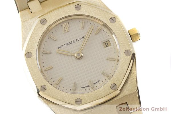 gebrauchte Luxusuhr Audemars Piguet Royal Oak 18k Gold Quarz Kal. 2610 Ref. C87056  | 183410 02
