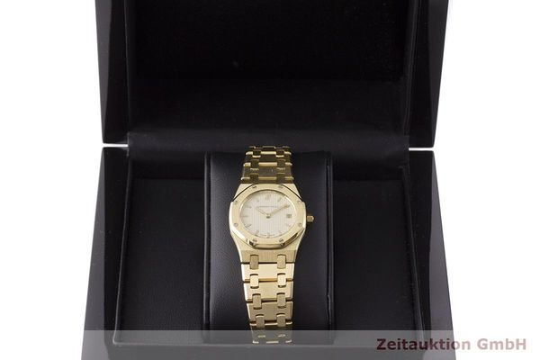 gebrauchte Luxusuhr Audemars Piguet Royal Oak 18k Gold Quarz Kal. 2610 Ref. C87056  | 183410 07