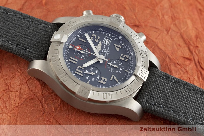gebrauchte Luxusuhr Breitling Avenger Chronograph Titan Automatik Kal. B13 Ref. E13383  | 2002664 _1